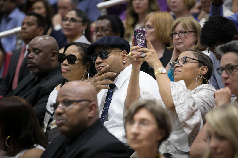 Photo of LL Cool J and family watching the ceremony