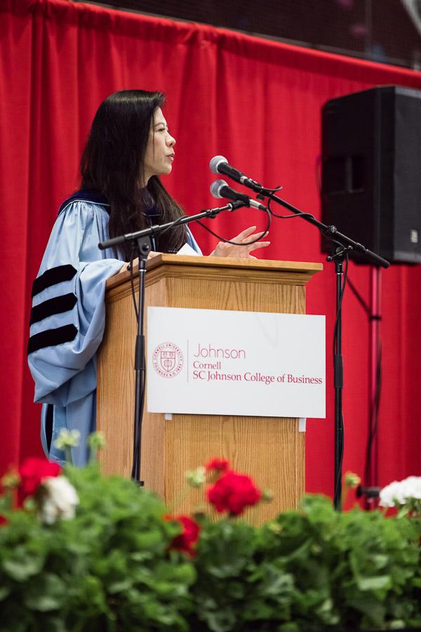 Photo of Ya-Ru Chen at the podium