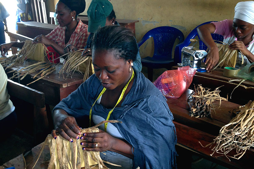 Bayeku Women weaving baskets