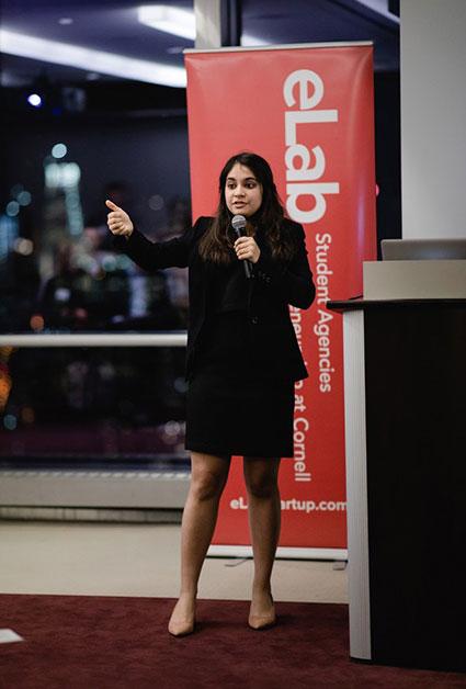 Anvita Khosla '19 pitches Ezra Box