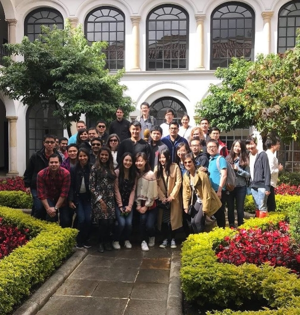 Students on Colombia MBA Trek
