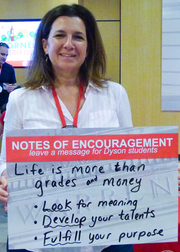 Anne Bayna holding her written message