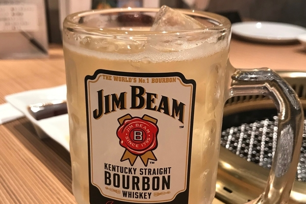 Jim Beam highball in a glass