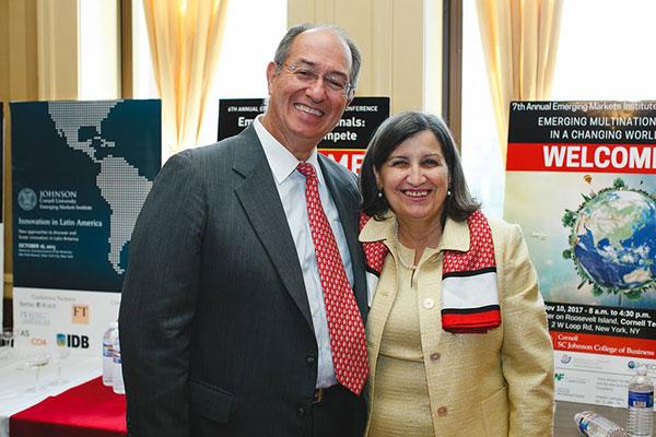 photo of Roberto Canizares and Lourdes Casanova
